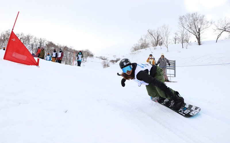 Snowboarder competing at HANAZONO Banked Slalom 2018