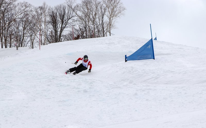 Skier competing at HANAZONO Banked Slalom 2018
