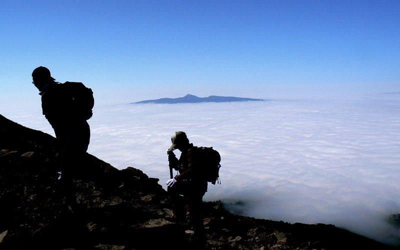 Vacation niseko mt yotei hiking tours