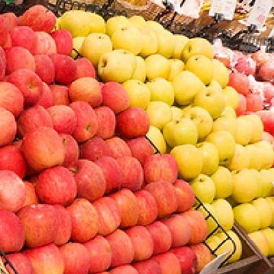 コープ倶知安店の果物売り場