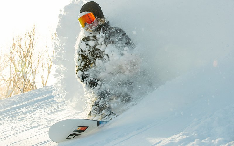 deep powder snowboarding niseko united