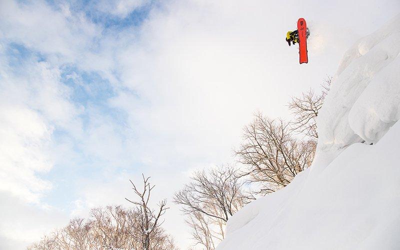 evan wilcox snowboarding niseko japan