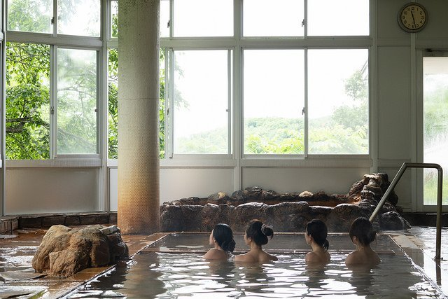 onsen niseko hot springs