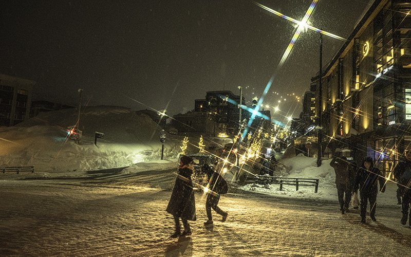 hirafu zaka niseko night snow