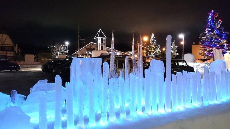 冬の綺羅の湯の氷のオブジェ