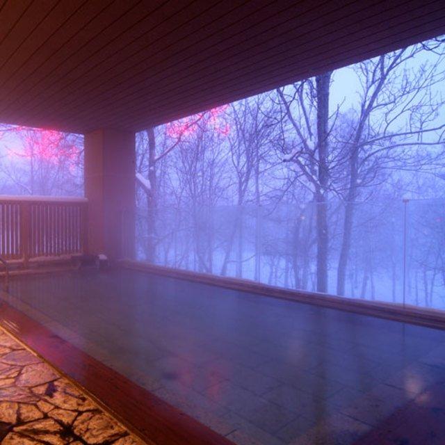 山の疲れを癒してくれる、冬の温泉を楽しもう!ニセコアンヌプリ甘露の森温泉
